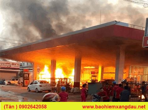 cháy cây xăng đường phan văn hớn