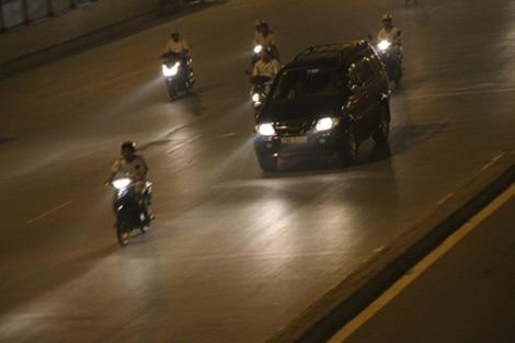 thời gian bật đèn khi tham gia giao thông đường bộ